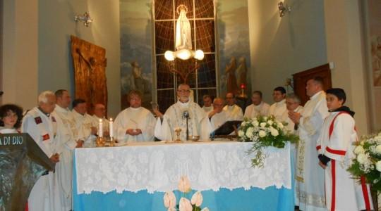 Mons. Marco Arnolfo ha celebrato messa alla chiesa della N.S. di Fatima - Crocicchio